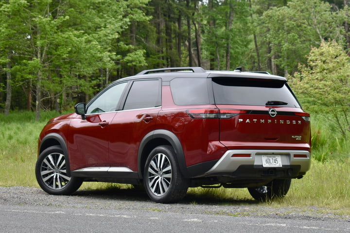 Rear three-quarter view of the 2022 Nissan Pathfinder.