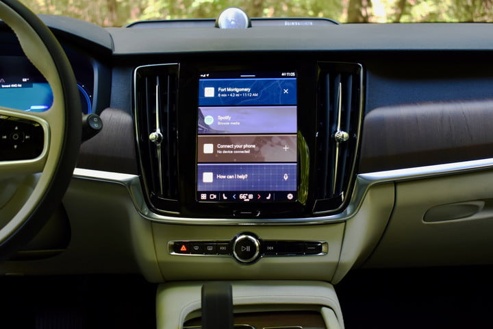 The 2022 Volvo V90 Cross Country's touchscreen.