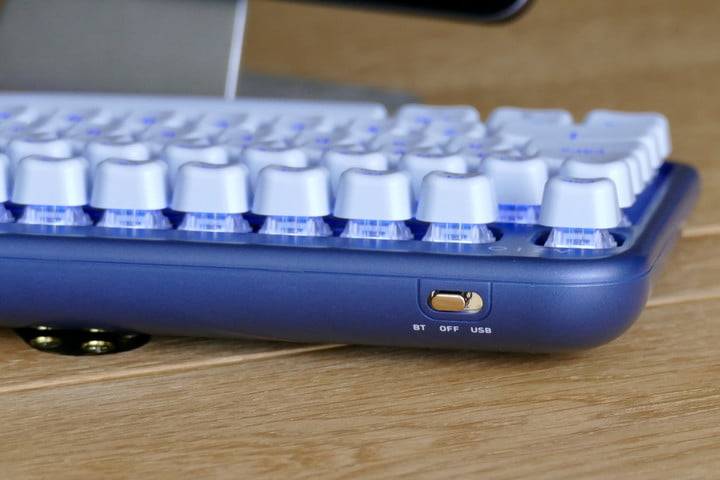 azio izo collection bluetooth keyboard hands on features price photos release date switch