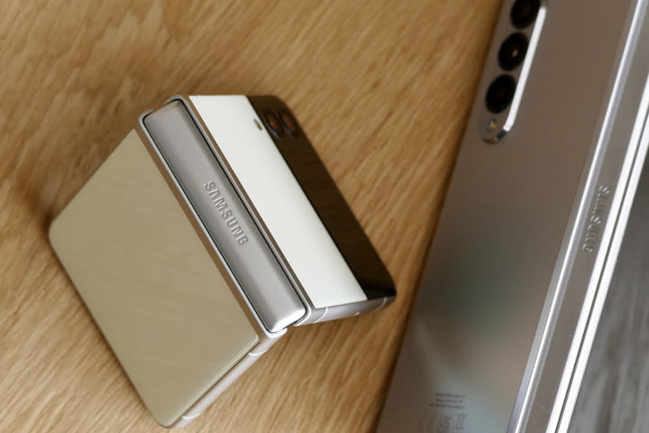 The Galaxy Z Flip 3's hinge seen from the top.