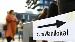 Almanya'da, oy kullandırılmayan başörtülü kadından özür dilendi