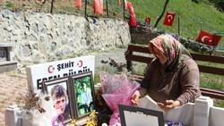 Eren Bülbül'ün annesi bayramı buruk geçiriyor: Evlatsız nasıl olur?