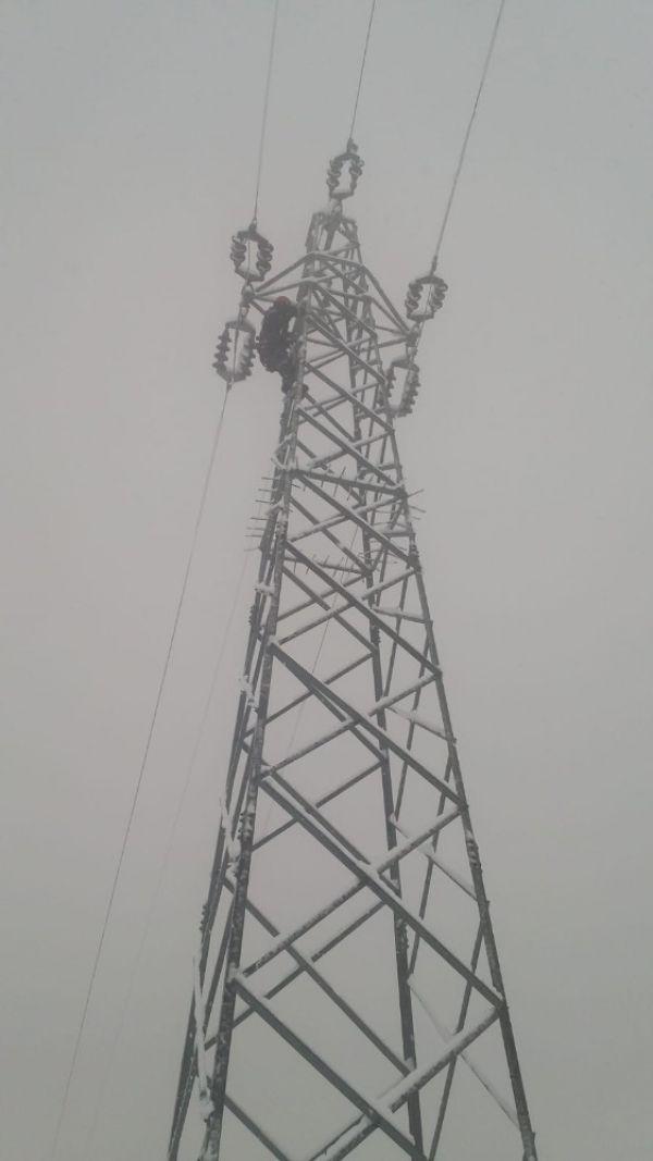 Hakkari'de elektrik arızası için verilen mücadele
