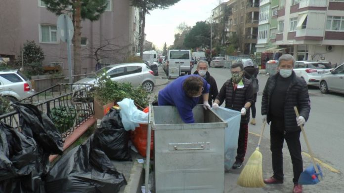 Maltepeli CHP liler, belediyeye destek için çöp topladı #2