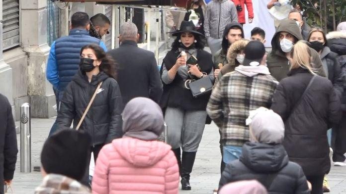 İstiklal Caddesi'nde pazar yoğunluğu #7