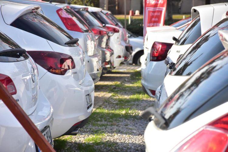 İzmir de 2 nci el otomobil satışında hareketlilik başladı #2