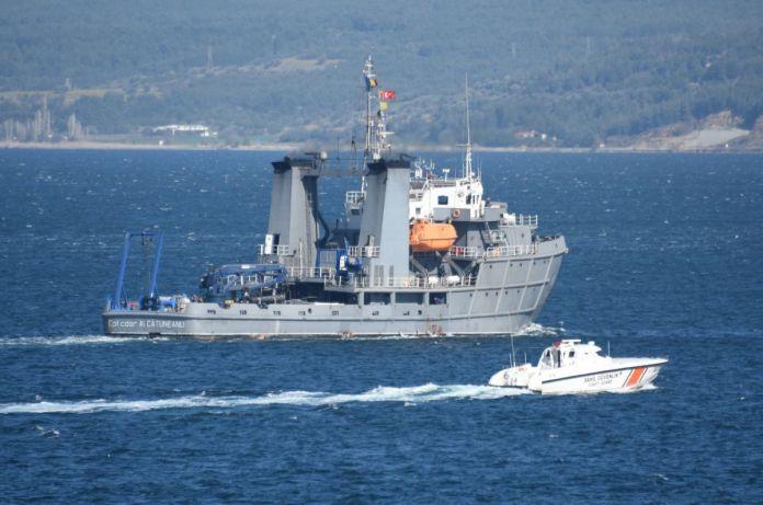 Romanya savaş gemisi Çanakkale Boğazı'ndan geçti #5