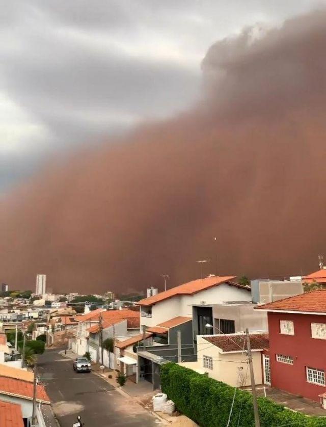 Brezilya'da kum fırtınası #3