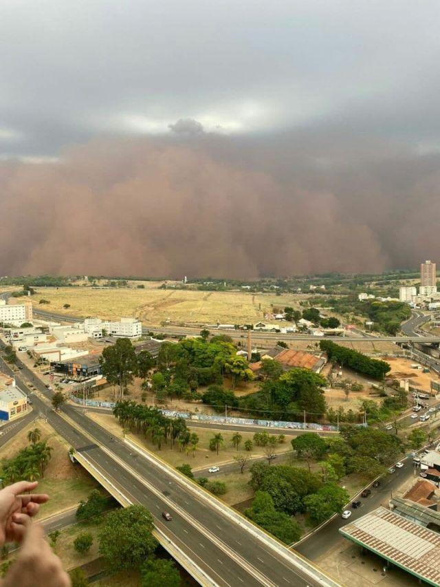 Brezilya'da kum fırtınası #2