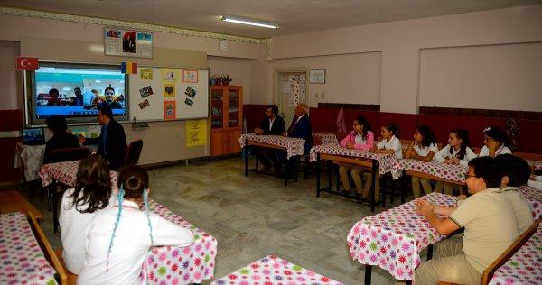 Öğretmenin internet üzerinden İngilizce öğretme formülü