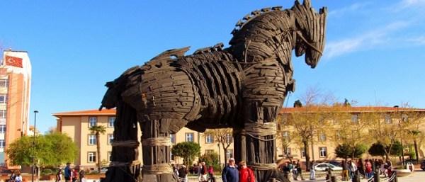 İtalyan arkeologa göre Truva Atı gemi