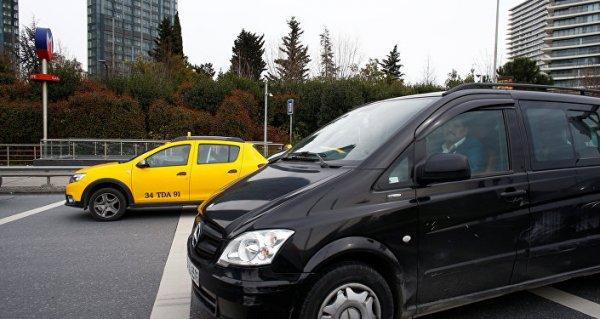 Taksiciler Odası Başkanı'nın Dubai'ye gitmesi taksicileri kızdırdı
