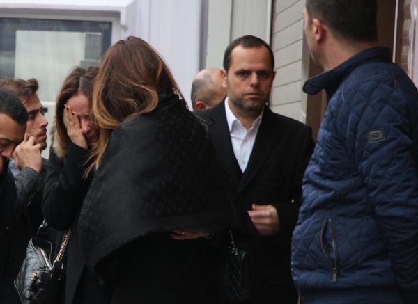Mesut Yılmaz oğlunun tabutuna omuz verdi