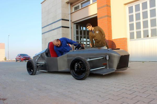 Karamanoğlu Mehmetbey Üniversitesi'nden elektrikli araç