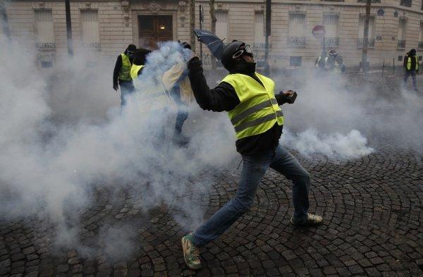 Fransa'da protestoların şiddeti arttı