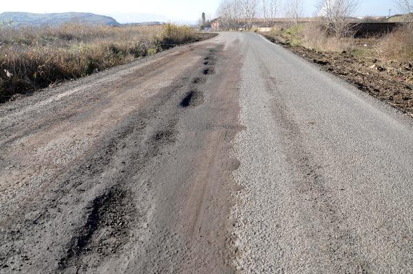 Yeni yapılan yol 15 günde bozuldu