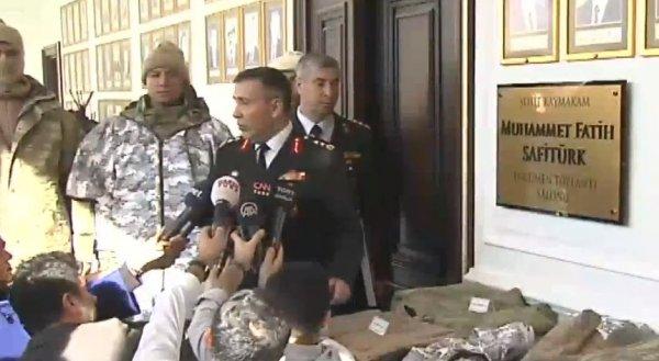Tümgeneralden askeri kıyafetler hakkında bilgilendirme