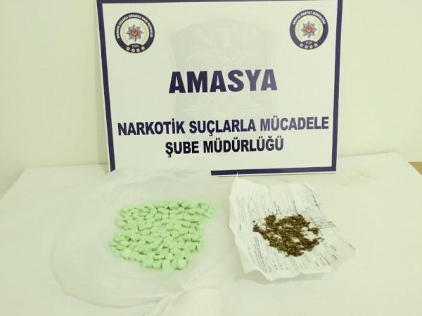 Hastane çalışanının üzerinden 130 uyuşturucu hap çıktı