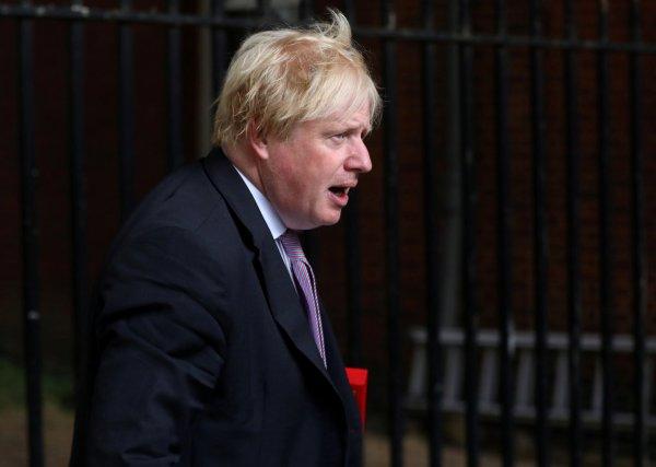 Boris Johnson peçe takan kadınları aşağıladı