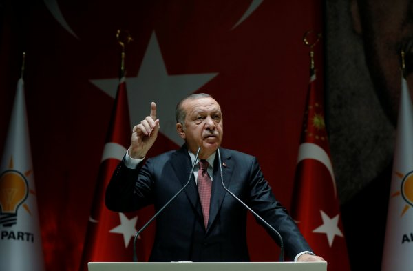 Erdoğan: Turkey won't let anyone threaten its borders