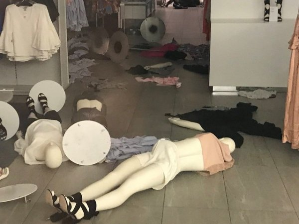 Güney Afrika'da H&M'nin mağazalarına saldırı