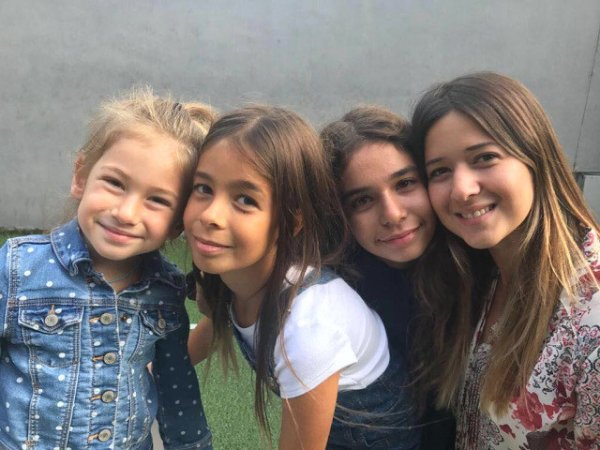 Acun Ilıcalı: Kızlarıma bakmaya doyamıyorum