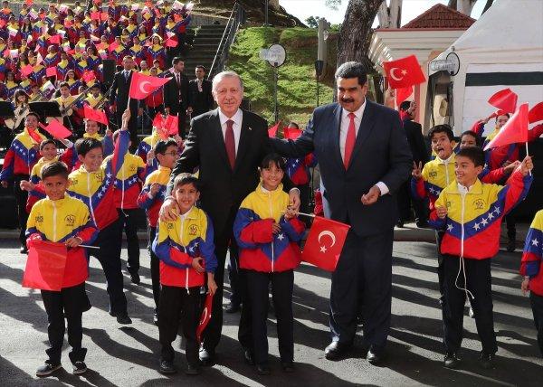 Venezuela'da Başkan Erdoğan'a korolu sürpriz