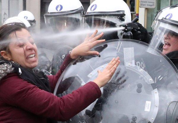 Brüksel'de polis şiddeti