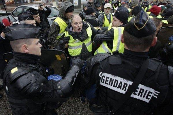 Gösteriler nedeniyle Fransa ekonomisi zarar etti