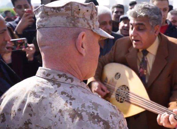 ABD askerleri Bağdat'ta çarşı gezisine çıktı
