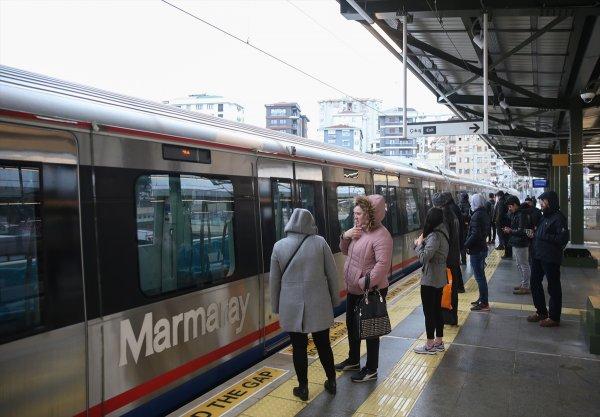 Gebze-Halkalı Banliyö Tren Hattı'nı rekor yolcu kullandı