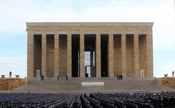 Türk Polis Teşkilatı Anıtkabir'de