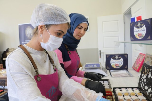 emel 461 - Suriyeli Shamma, her şeyini bırakıp geldiği Türkiye'de sanayici oldu