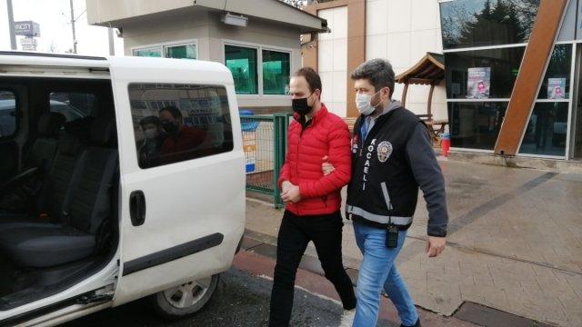gozalti 8161 - Kocaeli'de avukat cübbeli şüpheli, adliyede aileyi dolandırmak isterken yakalandı