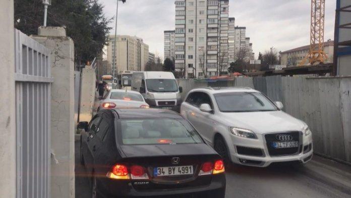 İstanbul da 4 yıldır süren metro inşaatı vatandaşları çileden çıkardı #6