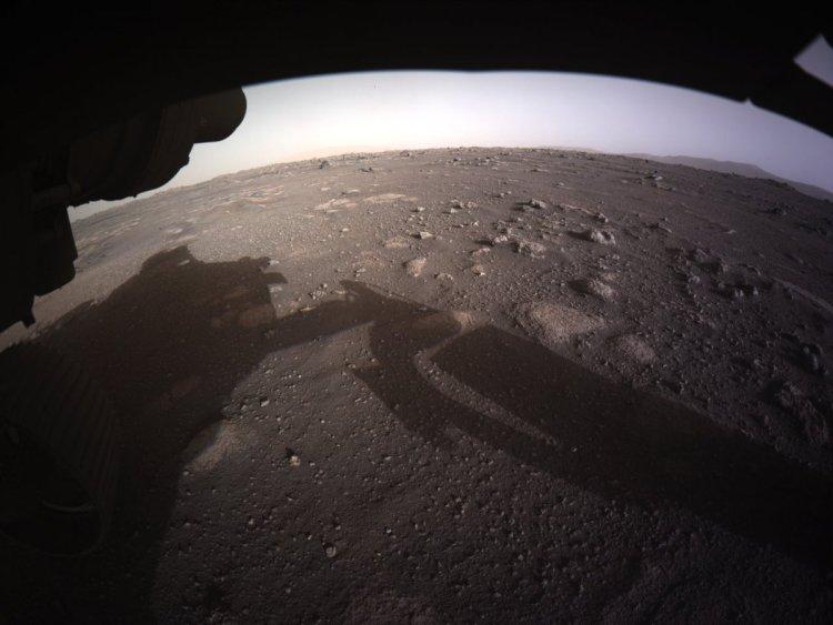 NASA, Mars tan yeni fotoğraflar paylaştı #1
