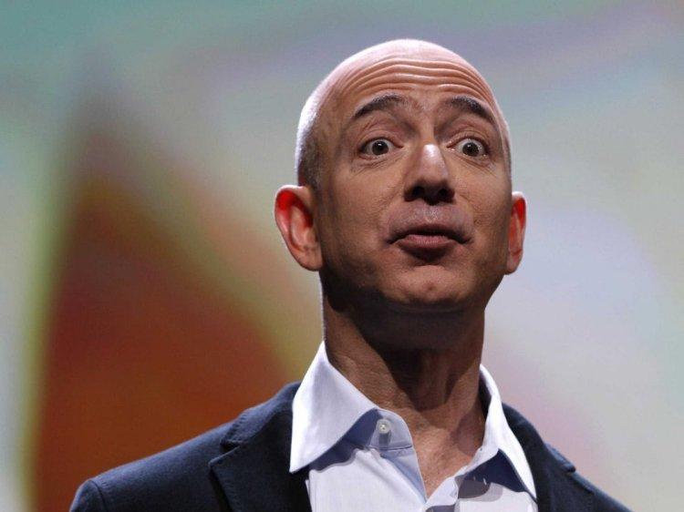 Jeff Bezos, çalışanların örgütlenmesini engellediği gerekçesiyle hedefte #2