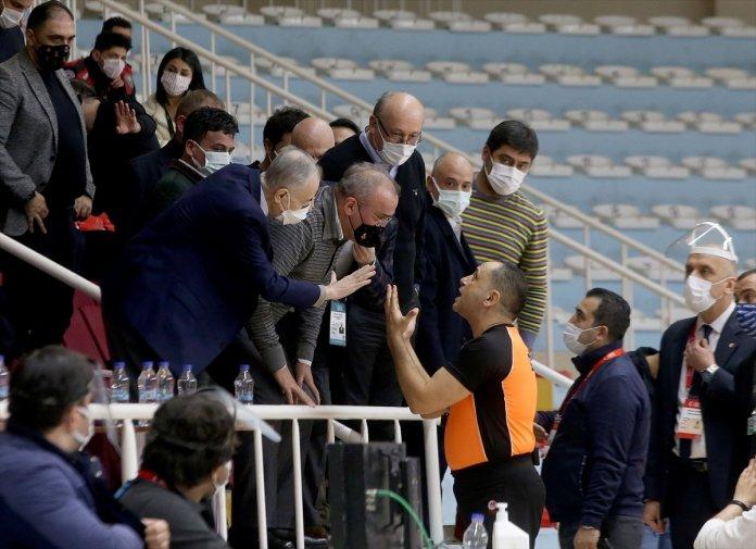 Büyükçekmece Basketbol - Galatasaray maçında olay çıktı #3