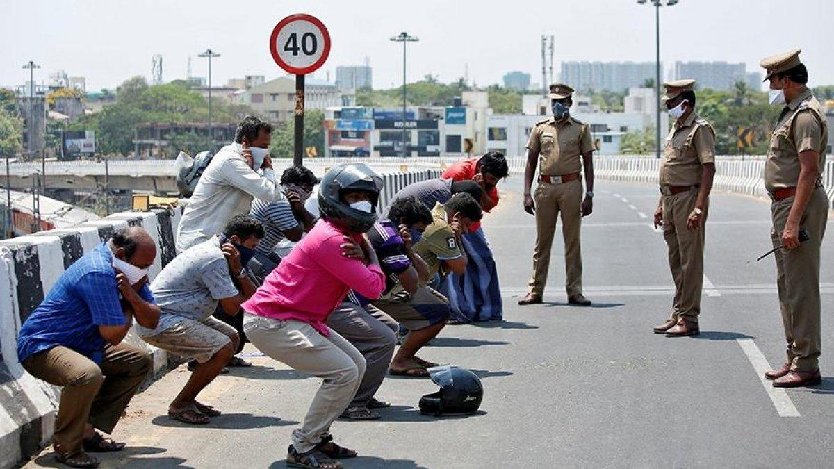 Hindistan'da koronavirüs yasaklarına uymayanlara akılalmaz cezalar #3