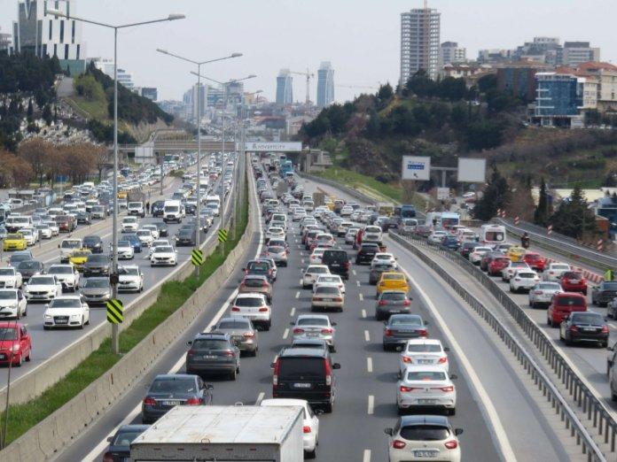 İstanbul da 56 saatlik kısıtlama öncesi trafik yoğunluğu #5