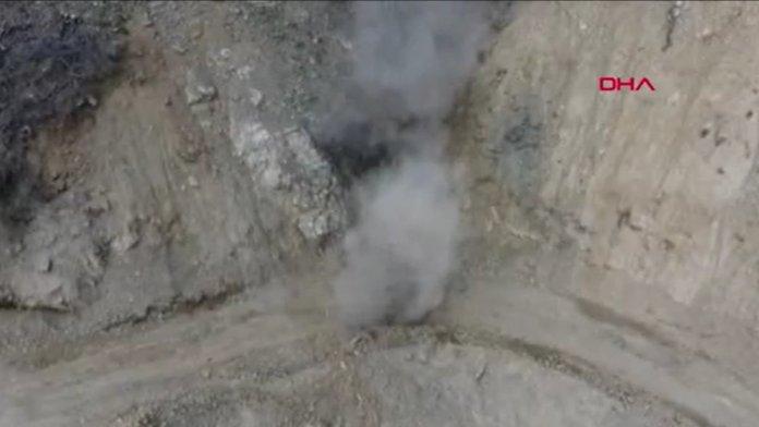 Bitlis'te araziye gizlenmiş basma düzenekli 4 EYP imha edildi #1