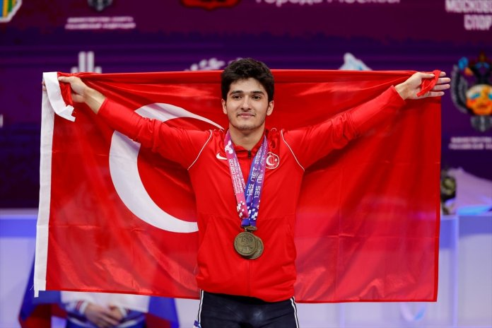 Avrupa Halter Şampiyonası nda Muhammed Furkan Özbek ten 2 altın madalya #5