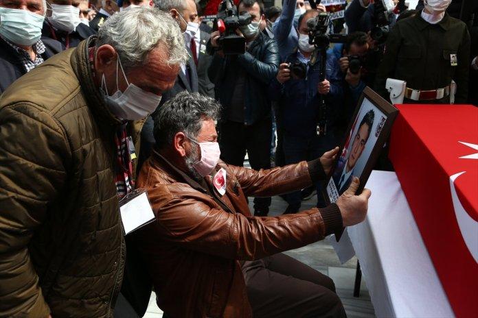 Şehit pilot Burak Gençcelep'in cenazesi Trabzon a getirildi #9