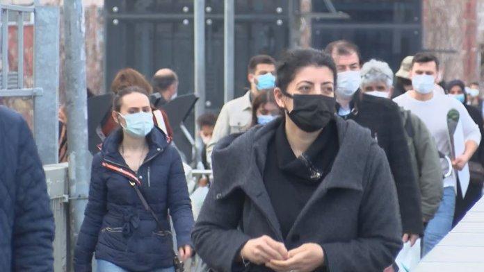 İstanbul'da metrobüs duraklarında dikkat çeken yoğunluk #5