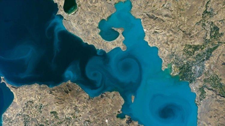 Göktürk uydusu, Van Gölü fotoğrafını çekti #2