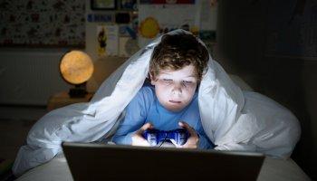 Çin, 18 yaşından küçüklerin online oyun sürelerine kısıtlama getirdi #1
