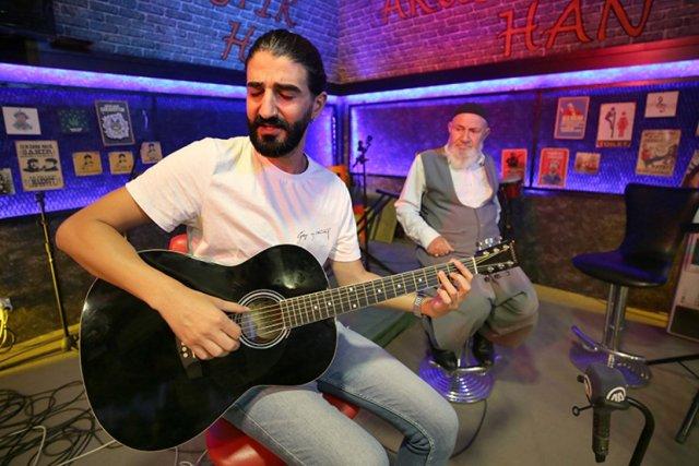 Elazığ da Rock ve tasavvuf sanatçısı düet yaptı #2