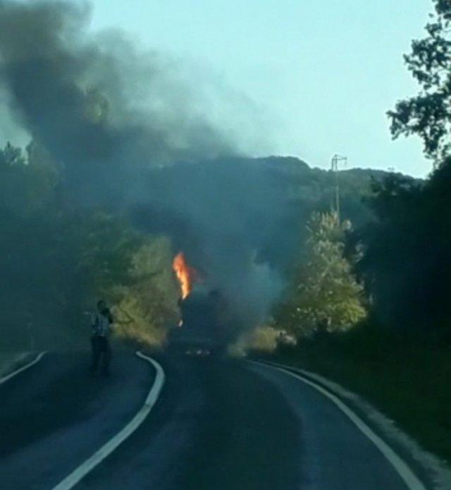 Bursa da sülfürik asit dolu tanker yandı #1