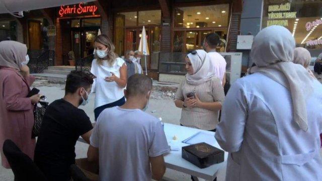 Siirt te sağlık çalışanları vatandaşları aşı olmaya ikna ediyor #5