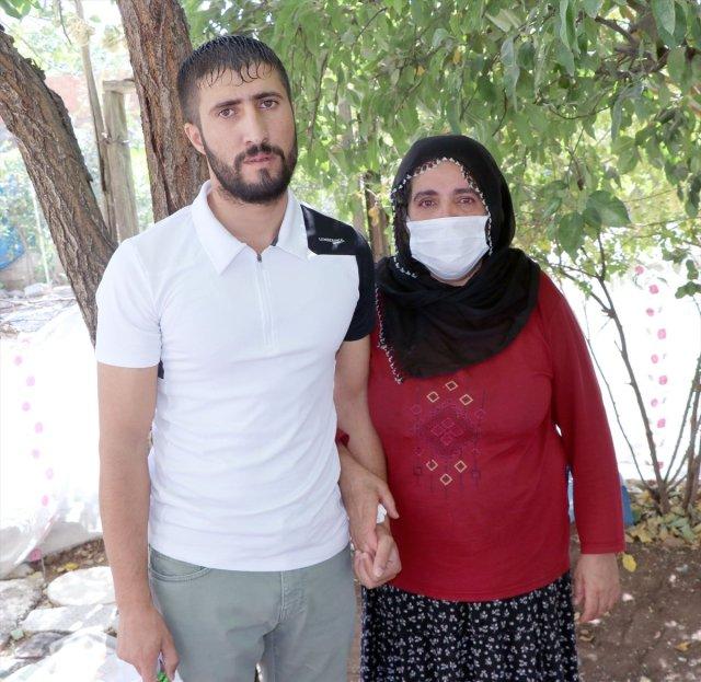 Diyarbakır da hıçkırık nöbeti geçiren genç: Yardım istiyorum #2